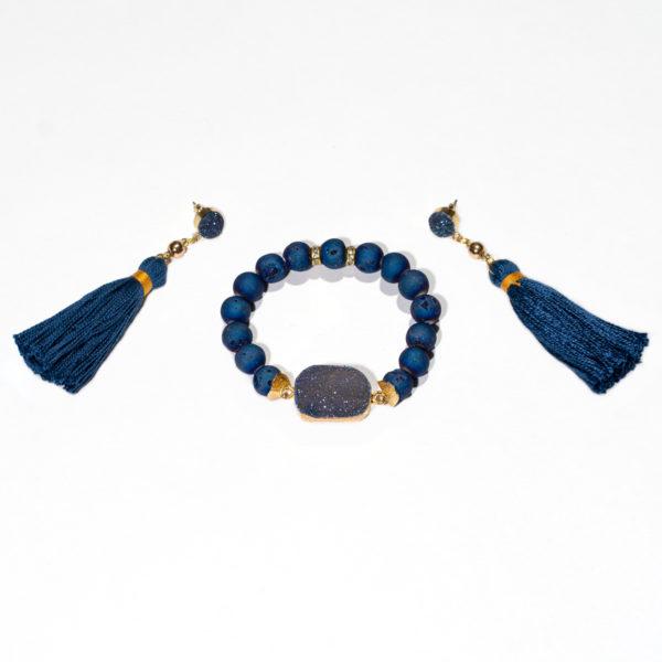 kék nyitott achát karkötő pomponos fülbevalóval