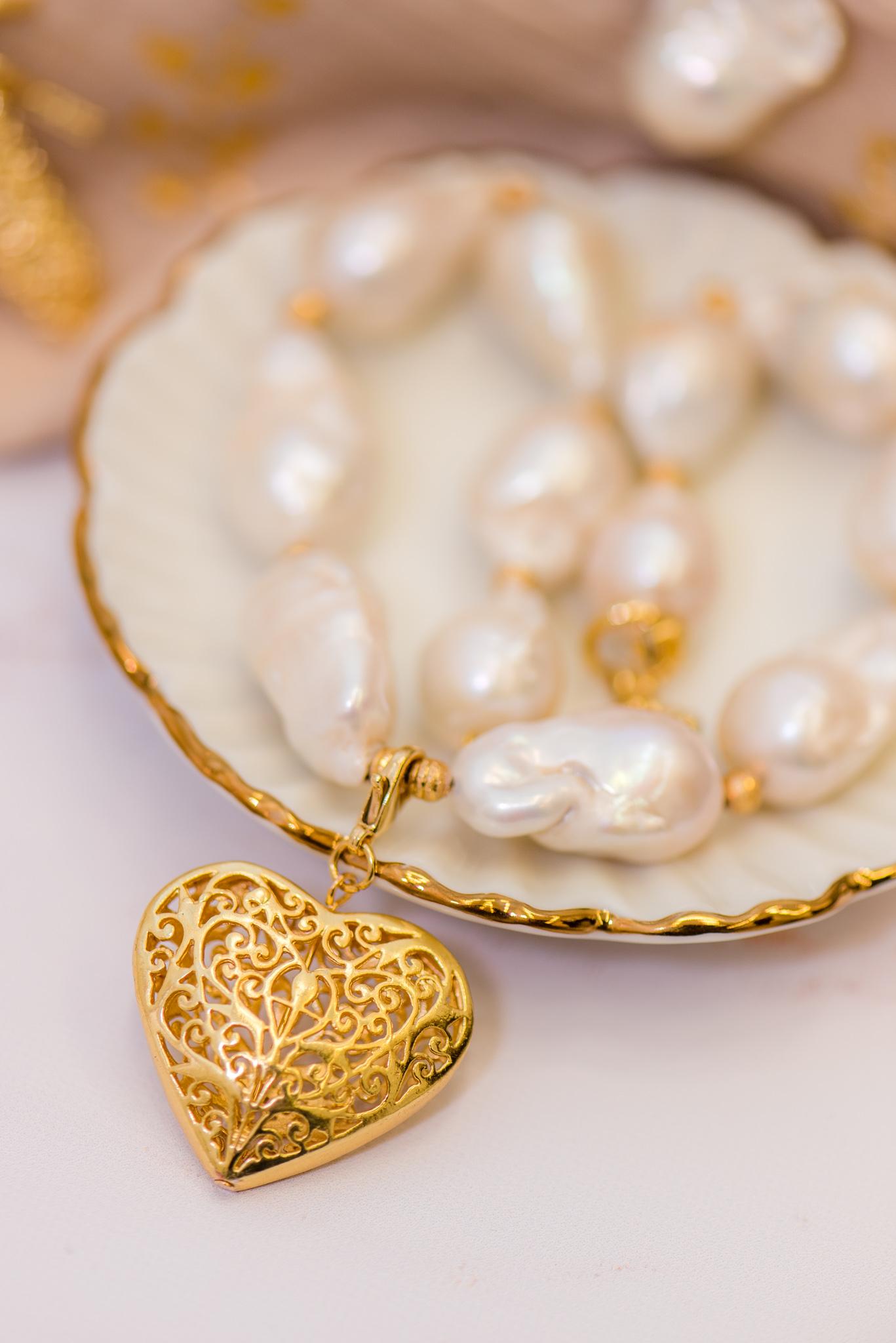 barokk gyöngyös nyaklánc kis szív medállal