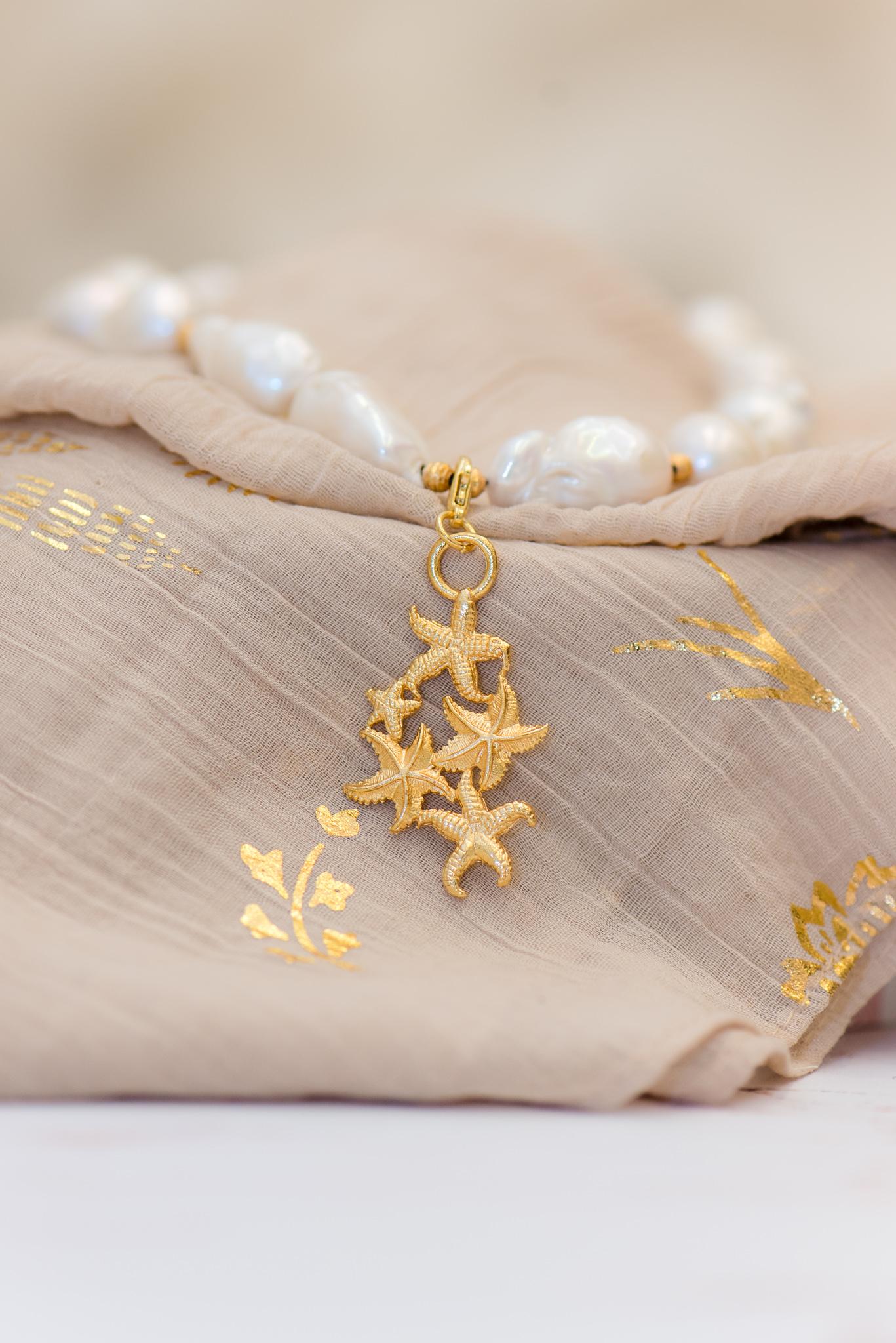 barokk gyöngyös nyaklánc kis szív medállal tengeri csillagokkal