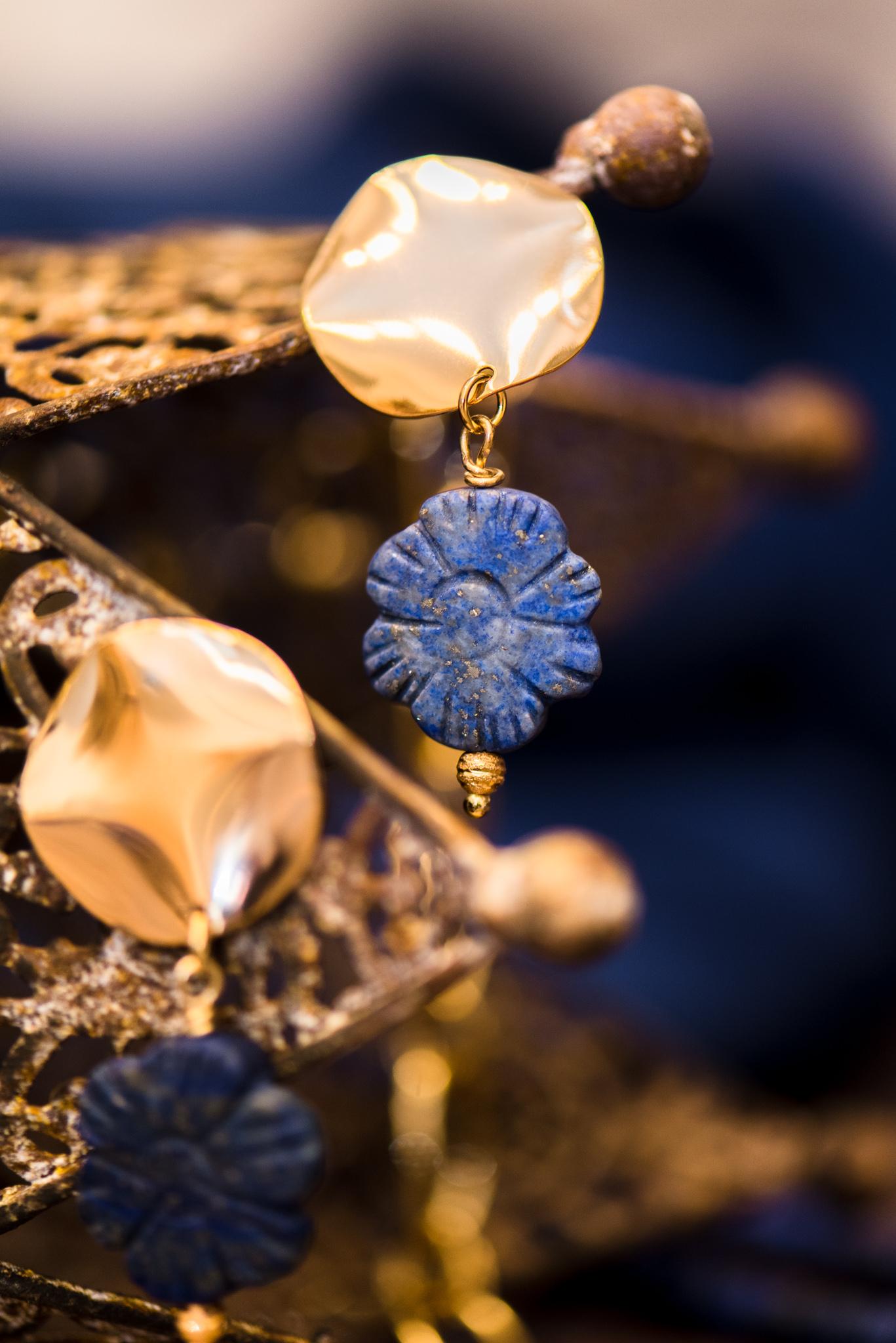 kék virágos szett lápisz lazulikkal fülbevaló