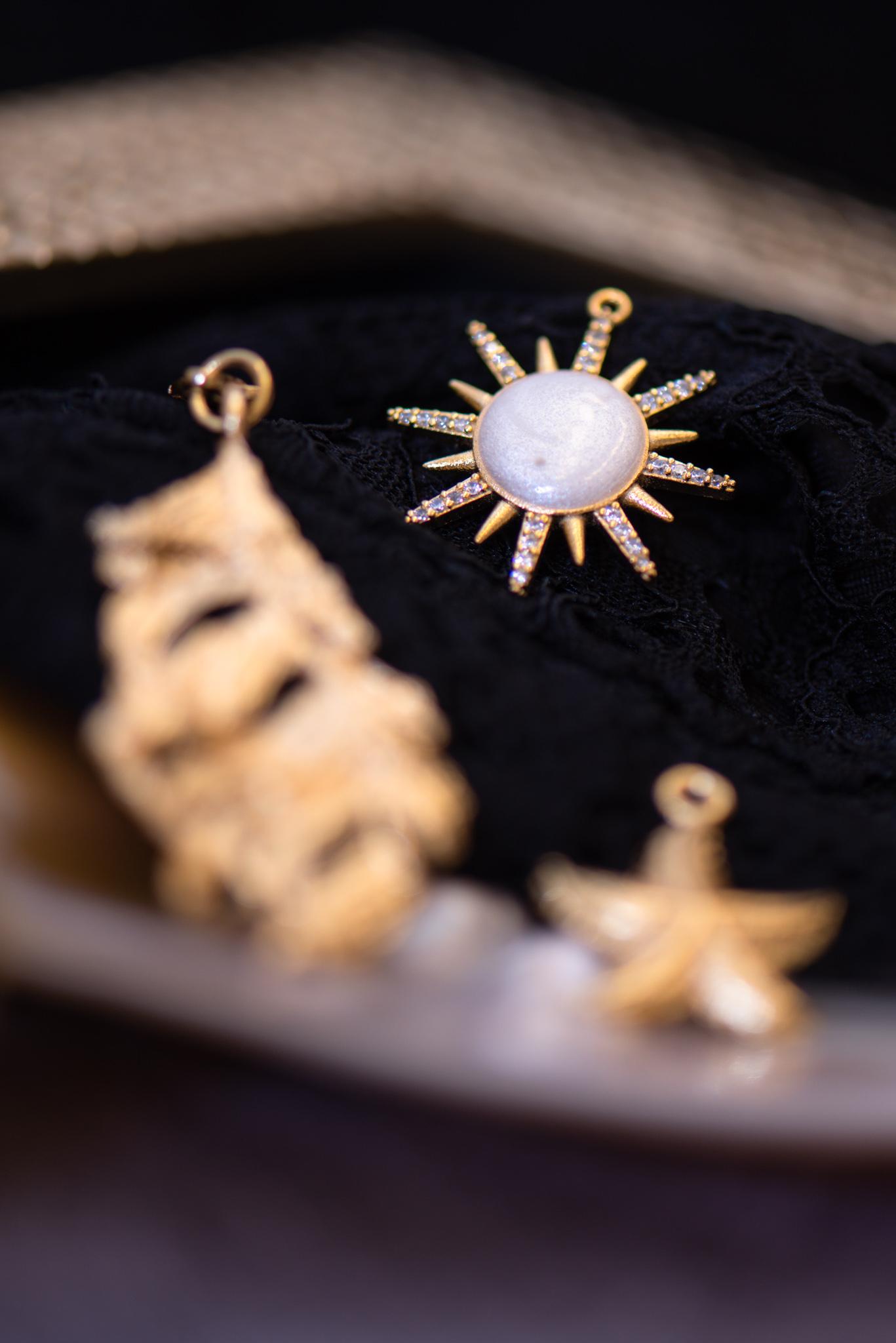 aranyozott napocska medál
